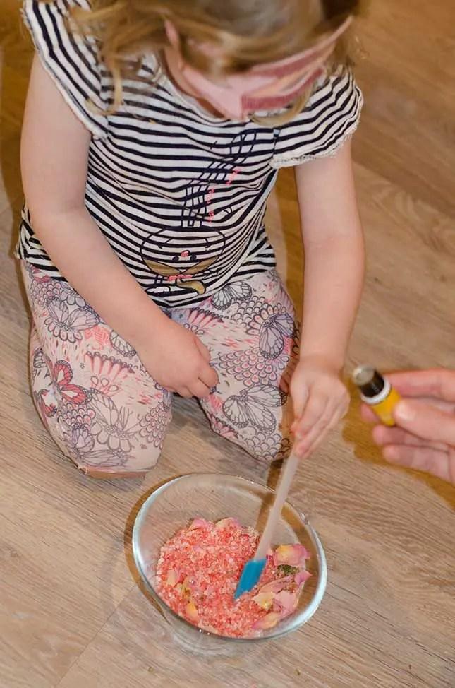make your own bath salts lemon essential oil