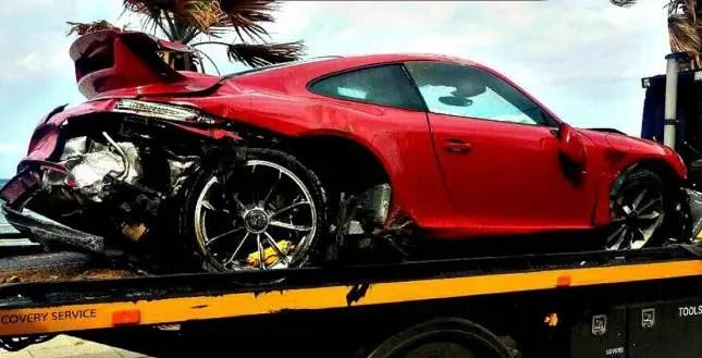 Crashed porsche 911 turbo
