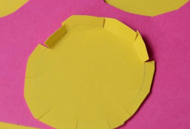 toilet-roll-craft-paper-flower-circle