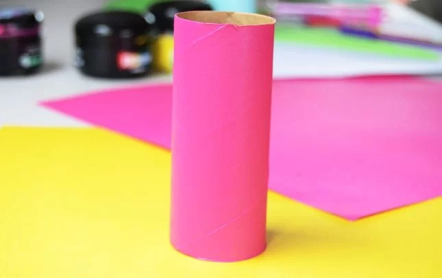 toilet-roll-painted-pink
