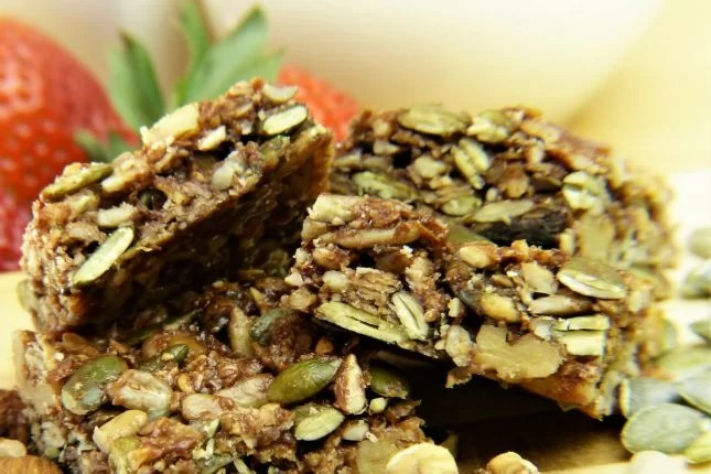 Healthy nut-free muesli bars