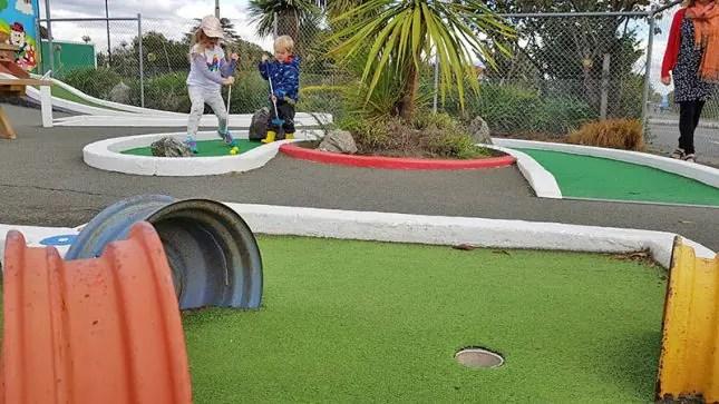 Tahuna Beach Kiwi Holiday Park - Mini Putt