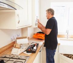 service pose de cuisine a domicile