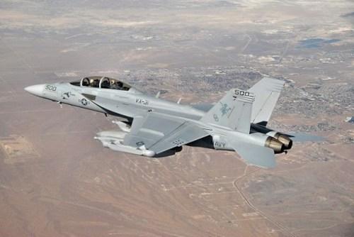 640px-EA-18G_VX-31_over_Ridgecrest_CA_2009