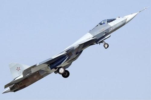 640px-Sukhoi_T-50_MAKS'11_Zherdin