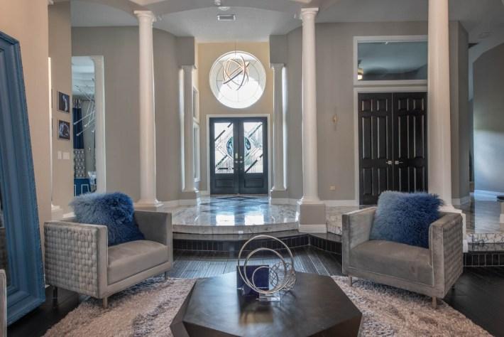 Transitional Conversation Room Interior Design 01