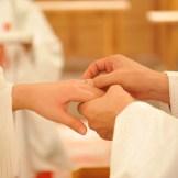 神前式での指輪交換(例)