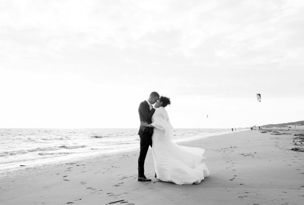 bruidsreportage avondzon strand