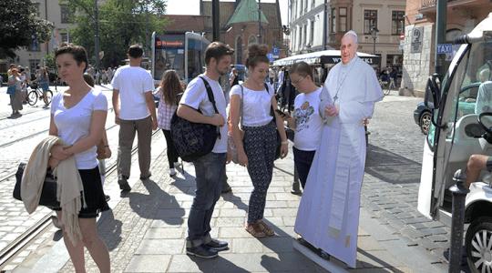 [:pl]Tramwajem z papieżem ...[:]
