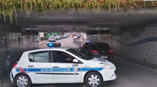 [:pl]Francja: napastnicy wzięli kilku zakładników w kościele[:]