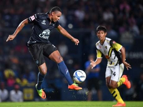 ไฮไลท์ ฟุตบอลไทยลีก 2017 บุรีรัมย์ ยูไนเต็ด 3-0 ซุปเปอร์ พาวเวอร์