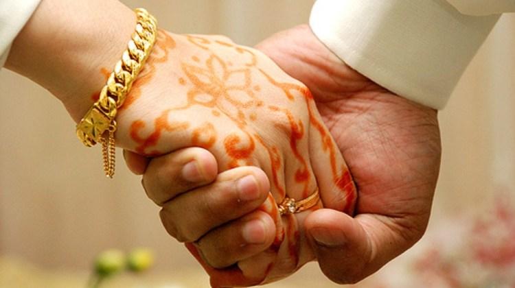 wedding_hands