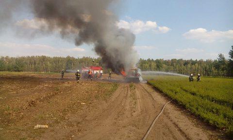 Požár traktoru Kladruby nad Labem - SDH Kladruby nad Labem