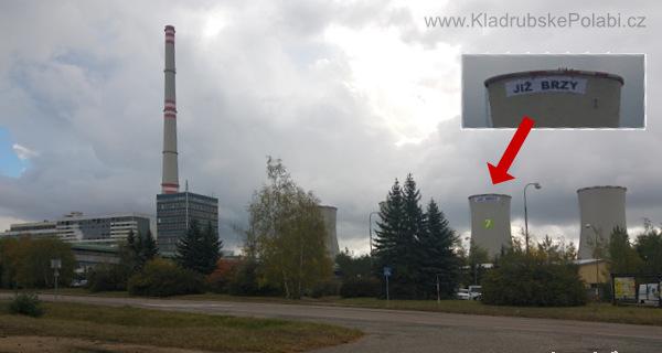 Aktiviste Greenpeace na elektrárně Chvaletice, 3.10.2016