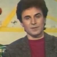 """Το """"Μουσικόραμα"""" καθήλωνε τους έφηβους της δεκαετίας του '80 - Τι απέγινε ο παρουσιαστής Γιώργος Γκούτης?"""