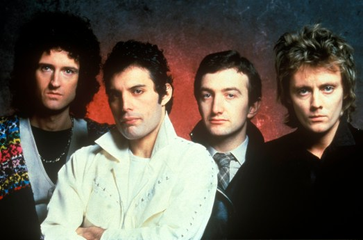 UNSPECIFIED - : Photo of QUEEN; Posed studio group portait L-R Brian May, Freddie Mercury, John Deacon and Roger Taylor (Photo by John Rodgers/Redferns)
