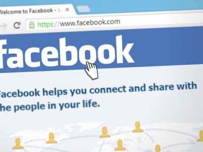 وسائل وطُرق اختراق الفيسبوك بمجرد الإضافة كصديق