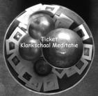 zwart wit foto met tekst klankschalen en creatiekaarten