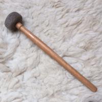 Klopper Vilt geperst middel houten steel