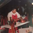 Salade aan tafel in restaurant bereid Cozumel Mexicaanse kok