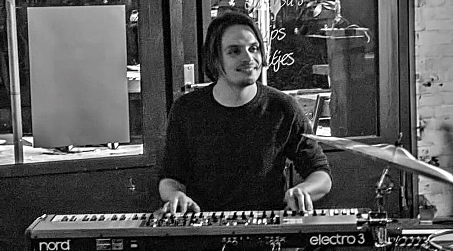 Edoardo Liberati Hammond Trio verandert Koudijs in jazzbar