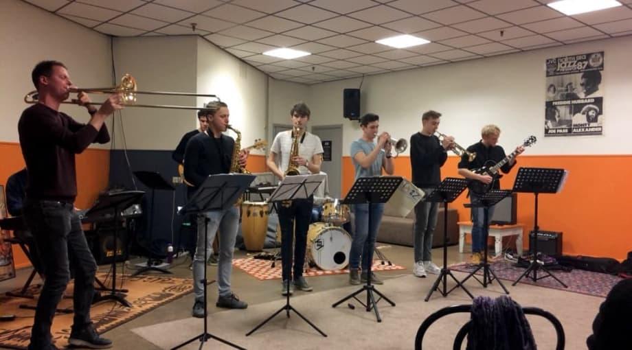 Ronddwalen op Rauwkost: Spelfout, Jazz Academy, The Cool Quest en Altin Gün