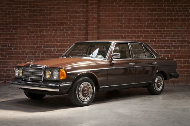 Mercedes-Benz W123 Sedan 300TD Turbo dizel USA Amerikan versiyon