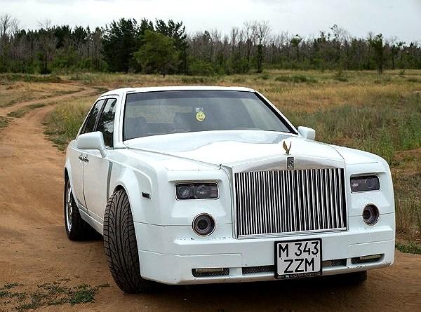W124 200E Mercedes-Benz'i, Hayalindeki Rolls-Royce Phantom'a Çevirdi!