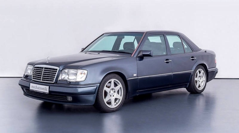 Bir Mercedes-Benz W124 Efsanesi E500 Limited Edition