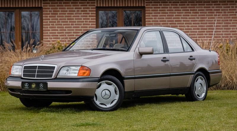 4.400 Euro'ya 1993 W202 Mercedes-Benz C 200 Dizel Classic Boyasız