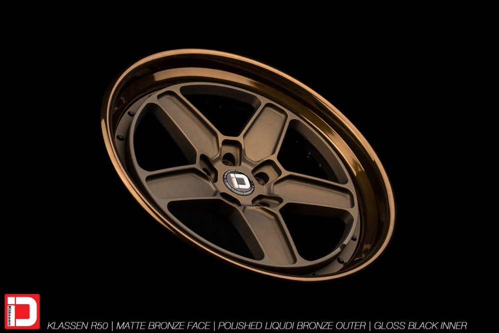 klassenid-wheels-r50-matte-bronze-face-polished-liquid-bronze-lip-gloss-black-hardware-12