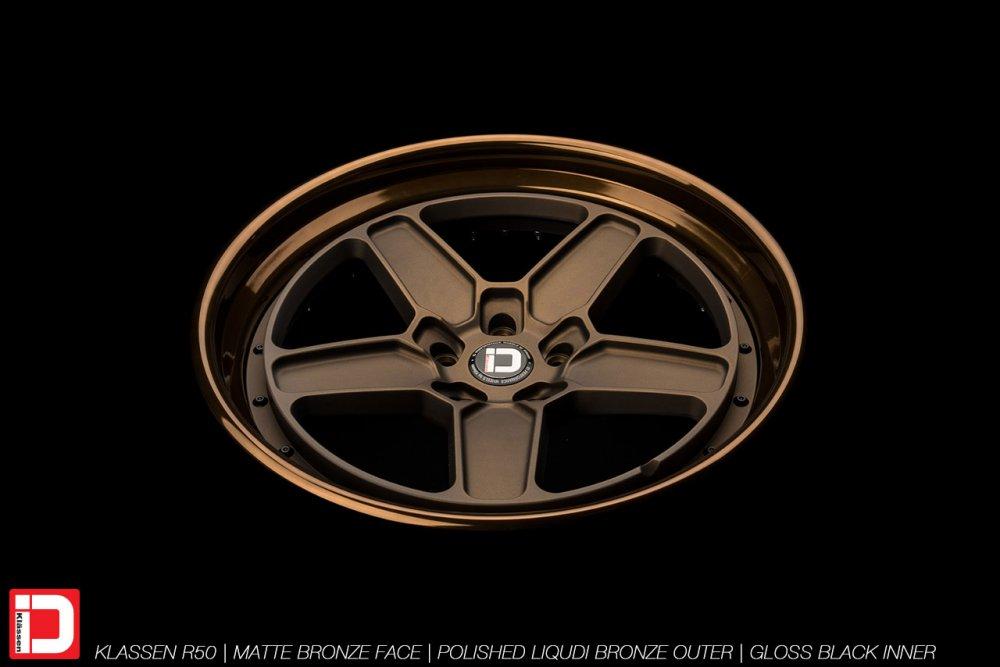 klassenid-wheels-r50-matte-bronze-face-polished-liquid-bronze-lip-gloss-black-hardware-2