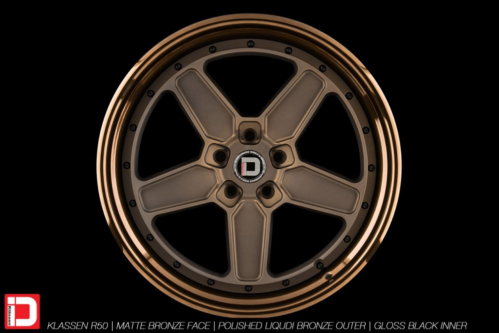 klassenid-wheels-r50-matte-bronze-face-polished-liquid-bronze-lip-gloss-black-hardware-24