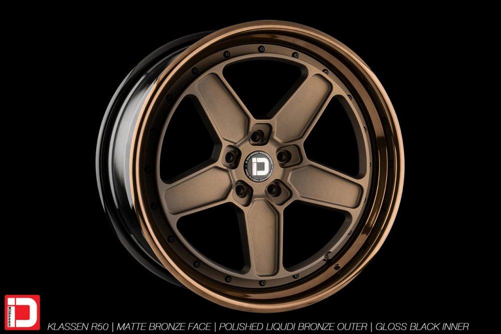 klassenid-wheels-r50-matte-bronze-face-polished-liquid-bronze-lip-gloss-black-hardware-25