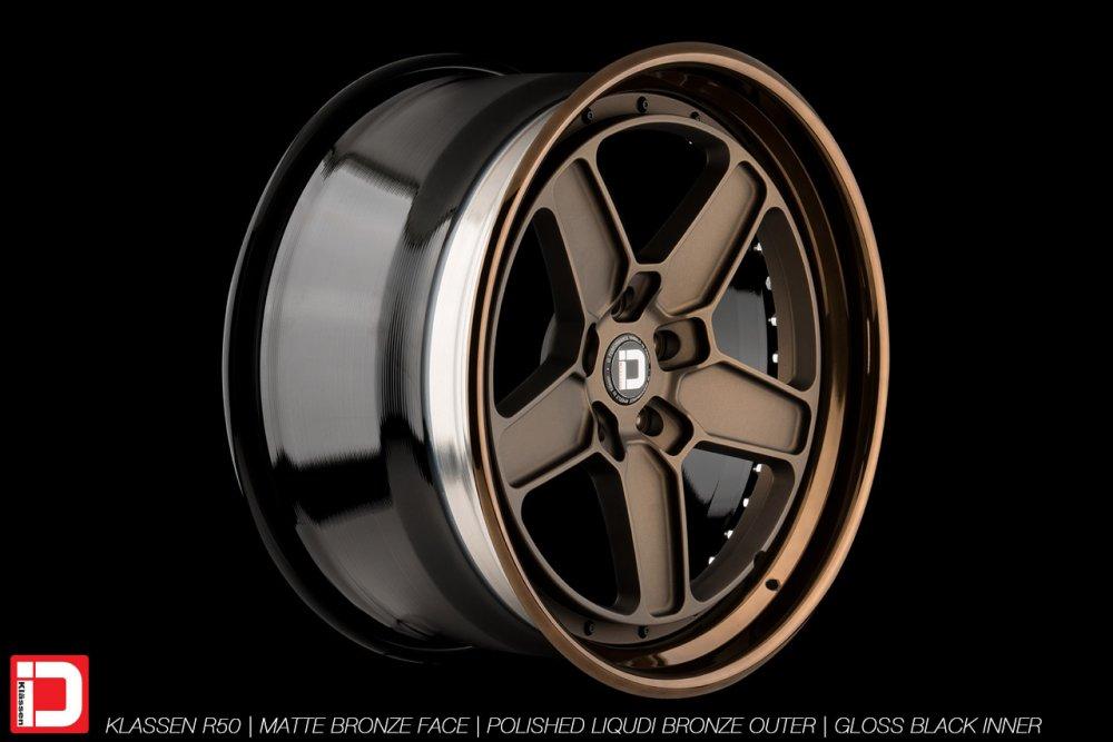 klassenid-wheels-r50-matte-bronze-face-polished-liquid-bronze-lip-gloss-black-hardware-26
