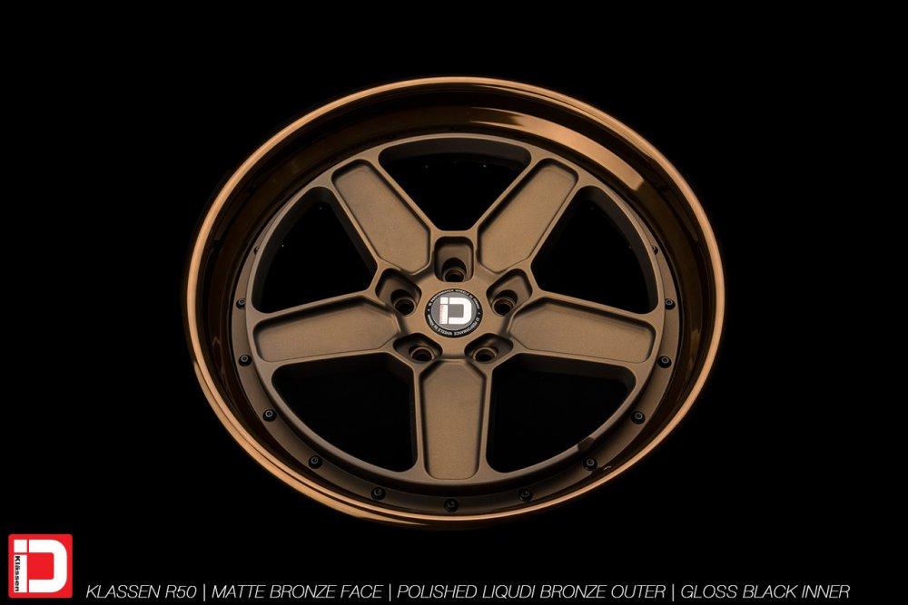klassenid-wheels-r50-matte-bronze-face-polished-liquid-bronze-lip-gloss-black-hardware-3