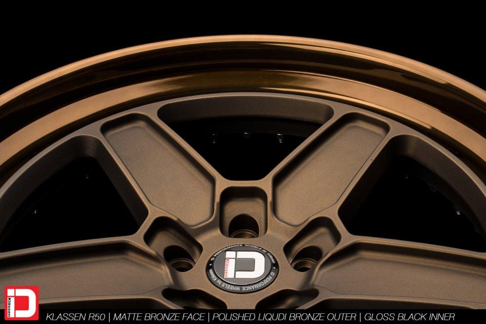 klassenid-wheels-r50-matte-bronze-face-polished-liquid-bronze-lip-gloss-black-hardware-9