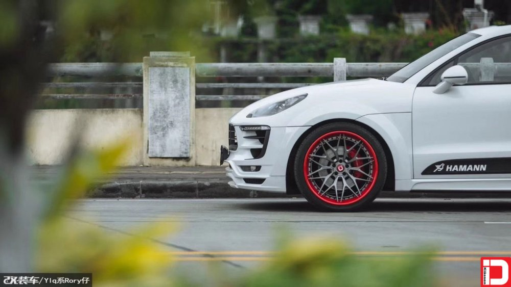 porsche-macan-klassen-cs10x-brushed-grigio-center-color-matched-red-outer-and-hardware-7