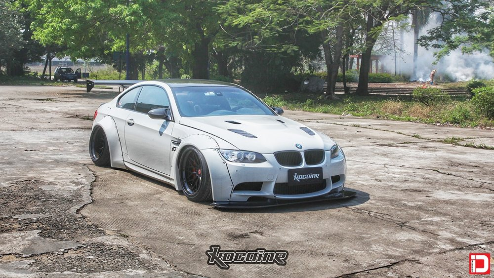 BMW E92 M3 Liberty Walk – KlasseniD Wheels CS10X Matte Black