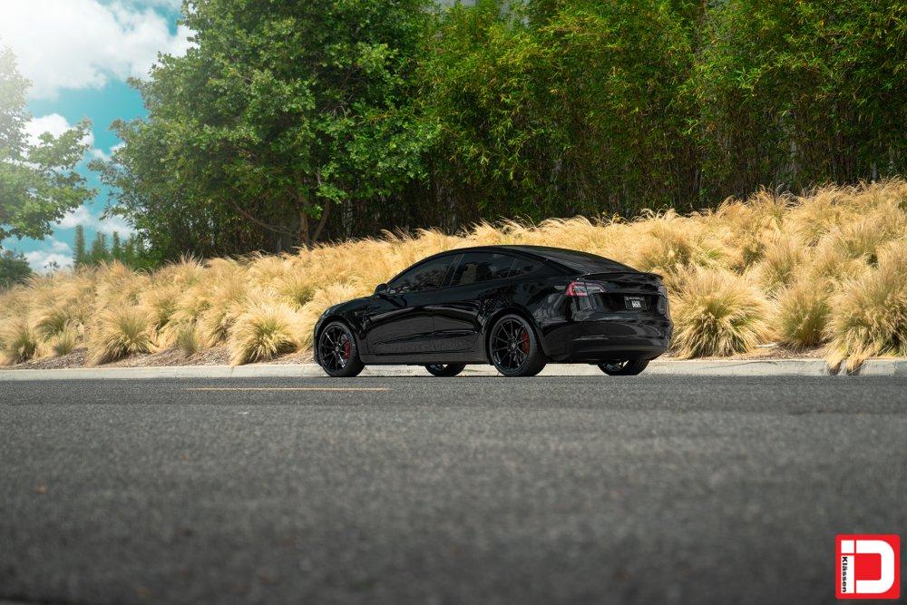 tesla-model-3-klassen-id-m10r-gloss-black-02