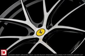 KlasseniD Wheels M52R - Brushed with Gloss Black Windows 11