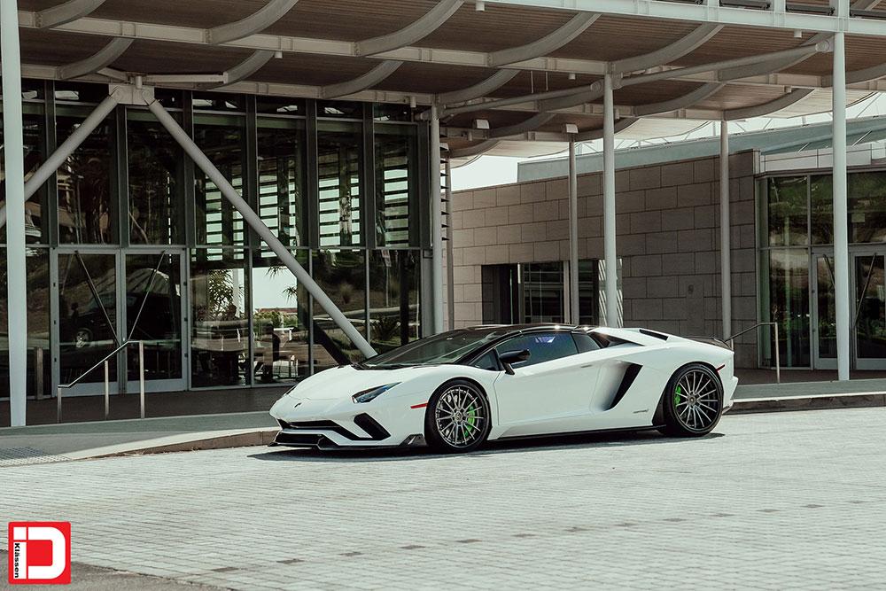 lamborghini-aventador-klassen-id-wheels-cs35s-gloss-kingsport-gray-black-lip-01