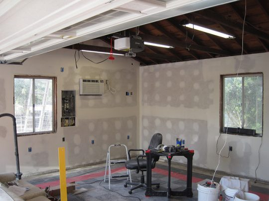 How to organize the garage and add value to your home when selling