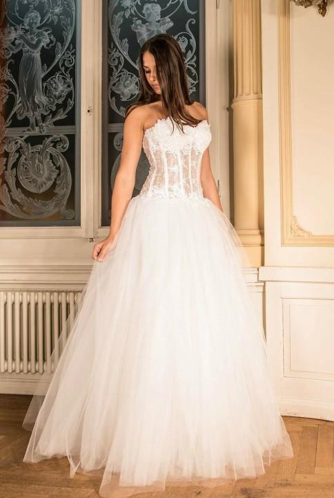 wedding-dress-301817_1920