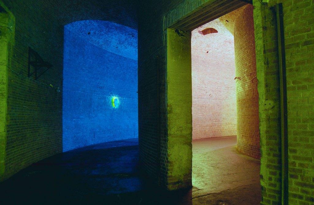 Klaus Killisch, Medusa, oil on plywood, fluorescent tubes