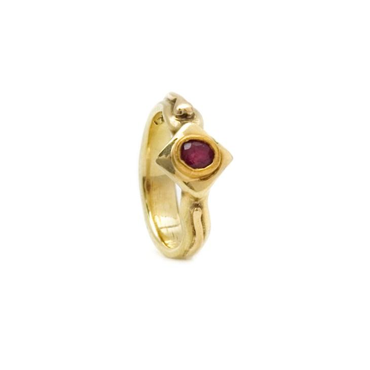 Seme di Rubino - Anello oro - Klaus Bamberg Gioielli