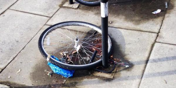 Zeuge verhindert Fahrraddiebstahl