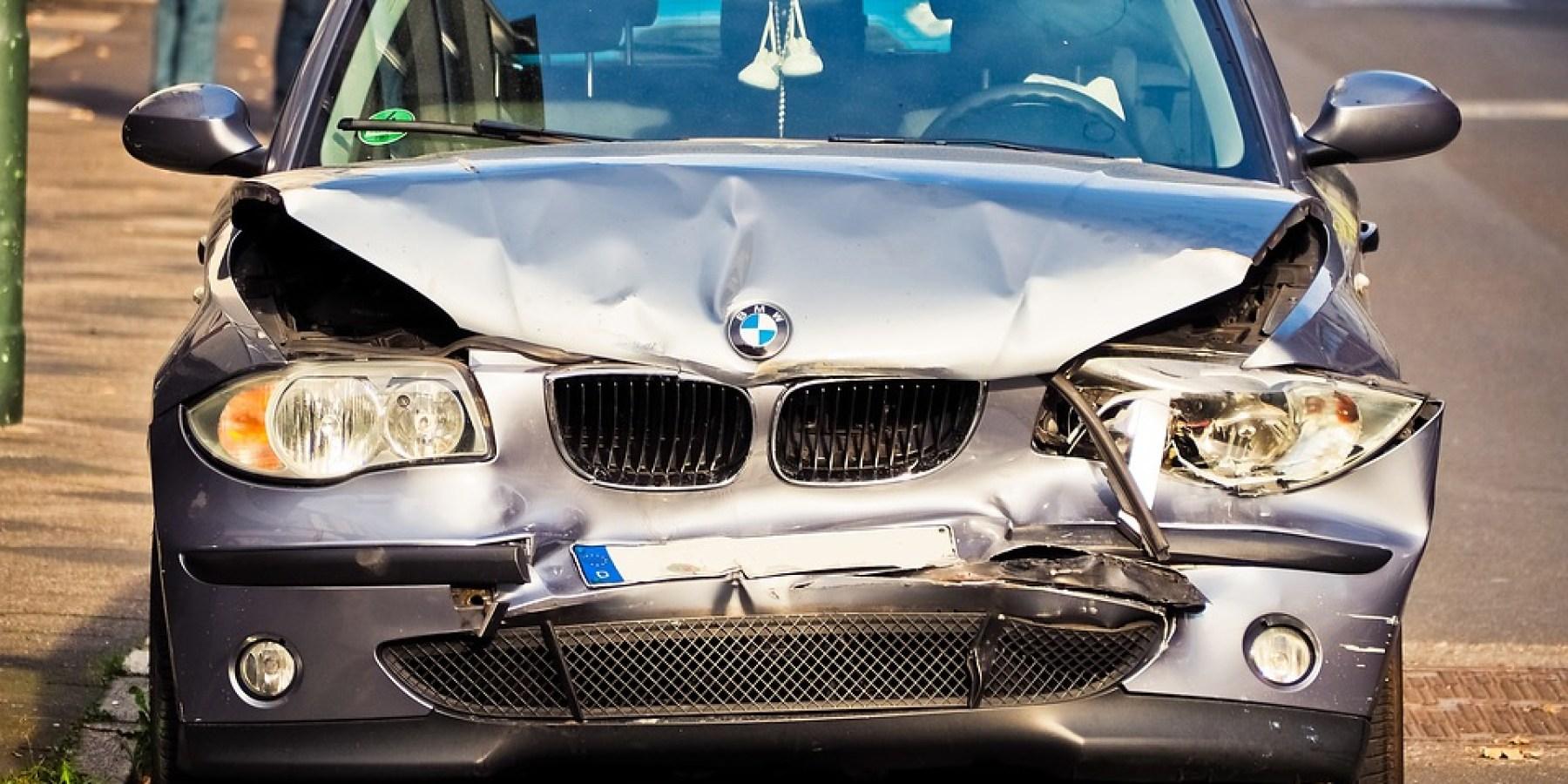 Betrunken Kontrolle über Auto verloren