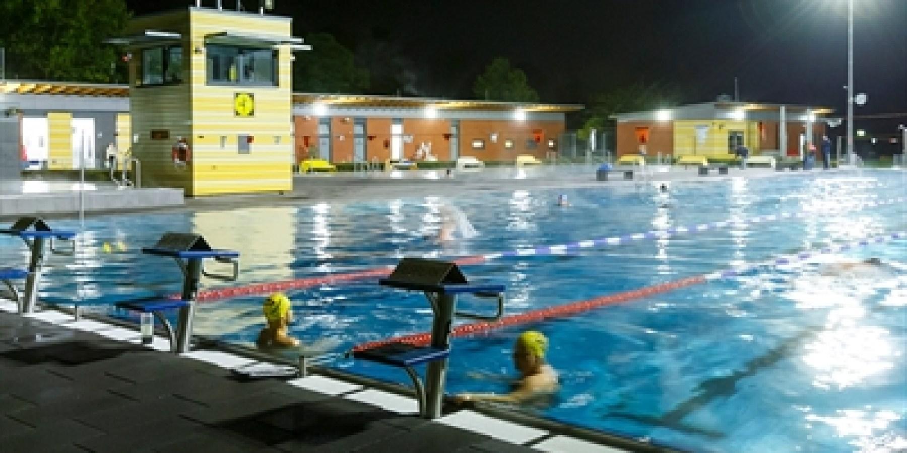Nacht der Lichter: Coburg beendet Freibadsaison