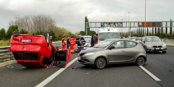 Verkehrsunfall mit zwei schwer Verletzten